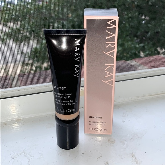 Mary Kay CC Cream - Light to Medium
